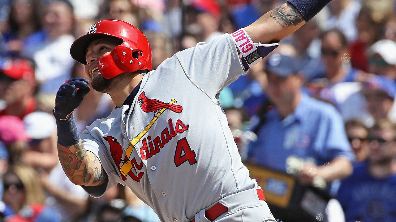 Cards build lead, but fall on late grand slam