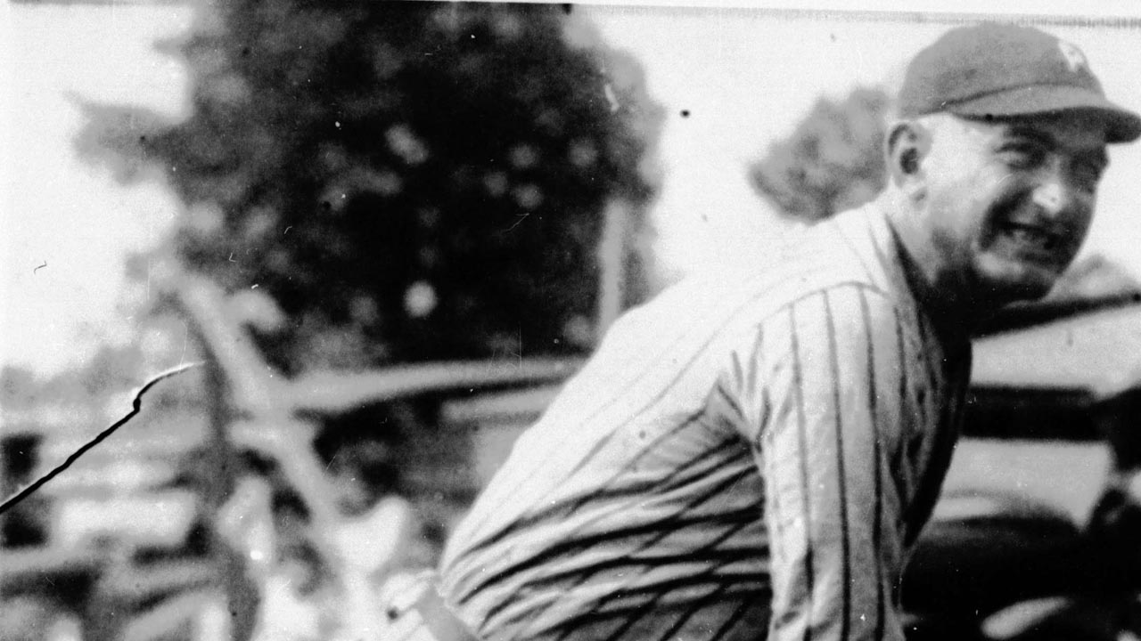 New book helps paint portrait of Shoeless Joe