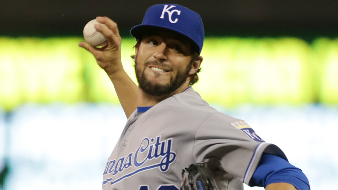 Phils get Mariot from Royals on waiver claim