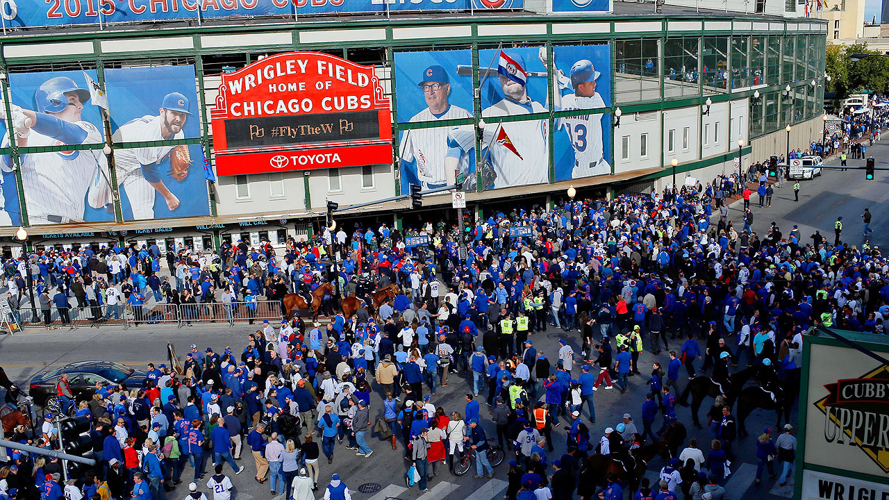 Cubs' season ticket prices set for increase in '16