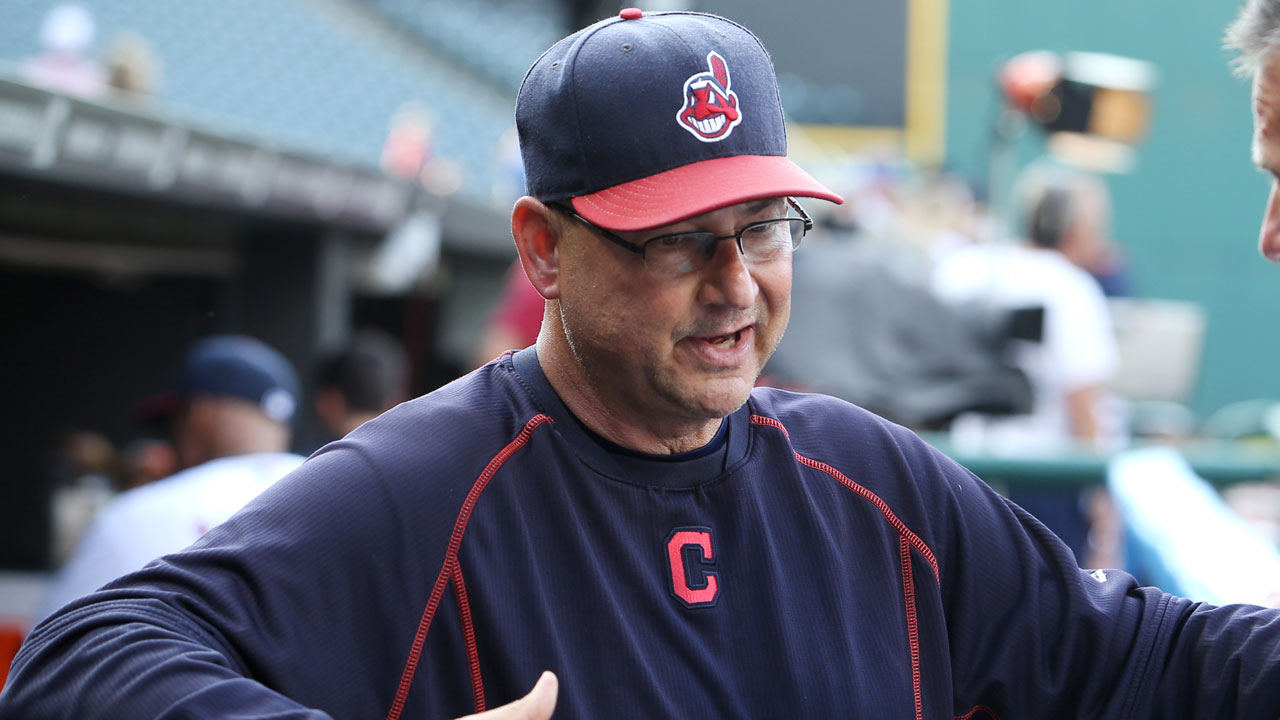 Francona, Indians to play charity bartenders