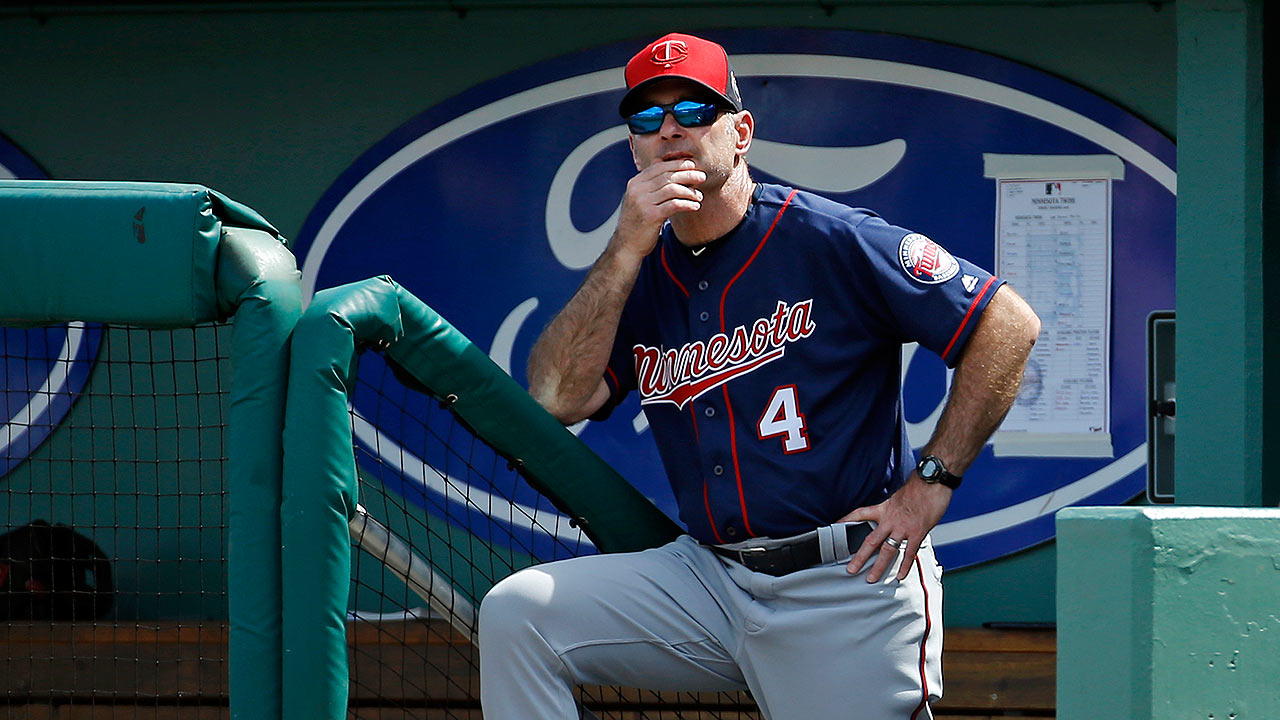Molitor opting not to use iPads in dugout