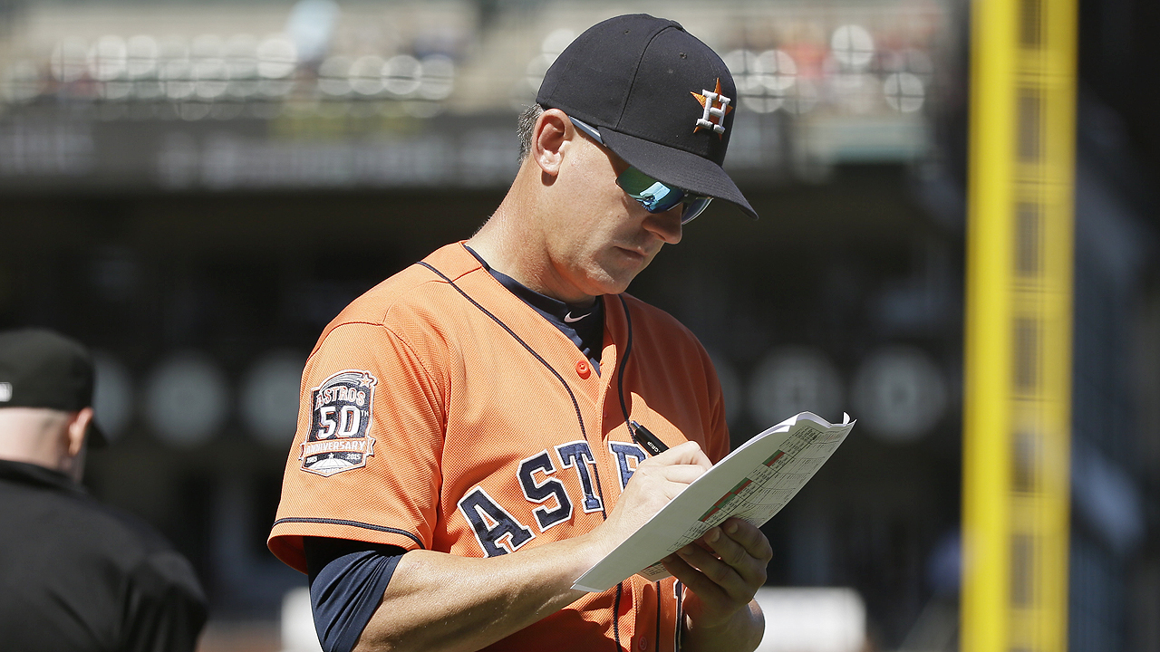 Astros likely to add catcher, relievers Tuesday