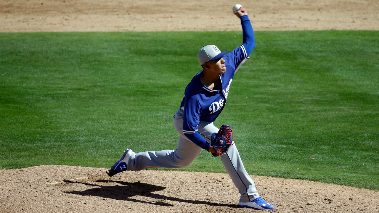 Urias plans to learn from difficult outing