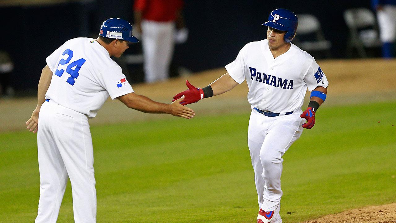 Carlos Ruiz Plates Four Runs In Panama Victory Mlb Com
