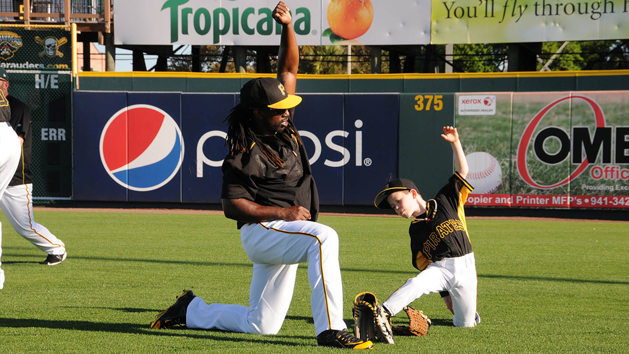 McCutchen carries on Clemente's legacy