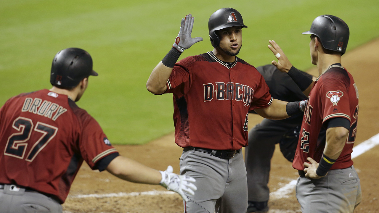 HR de Peralta no evita derrota de D-backs en Miami