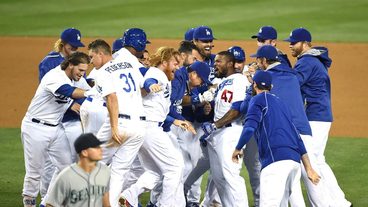 Dodgers stun Mariners on Howie Kendrick's walk-off single | MLB.com