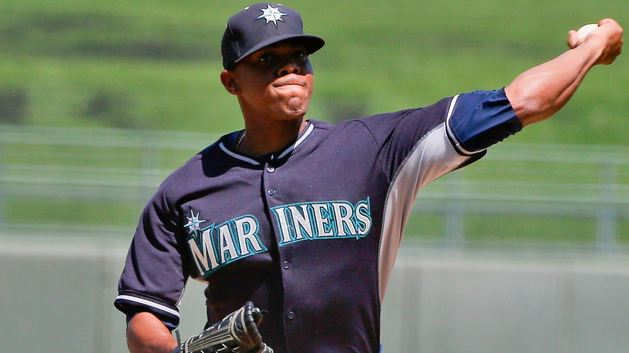 Elias, Mariners roughed up by Brewers' bats