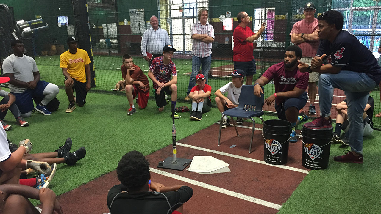 Lindor hosts 4th kids clinic of year in Atlanta