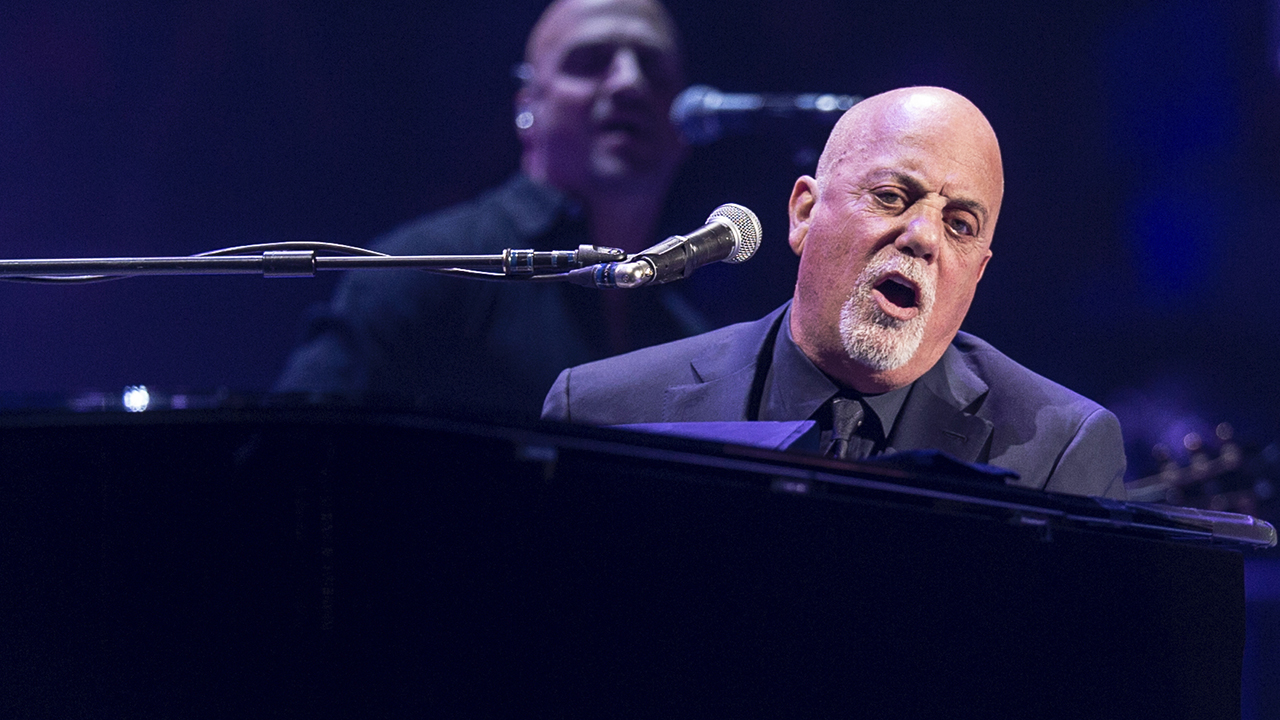 billy joel performs at suntrust park april 28 mlb com