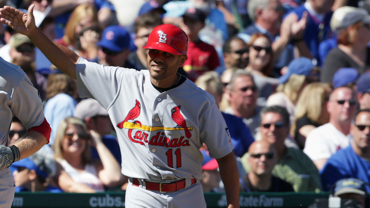 Oquendo won't return in 2016 after surgery
