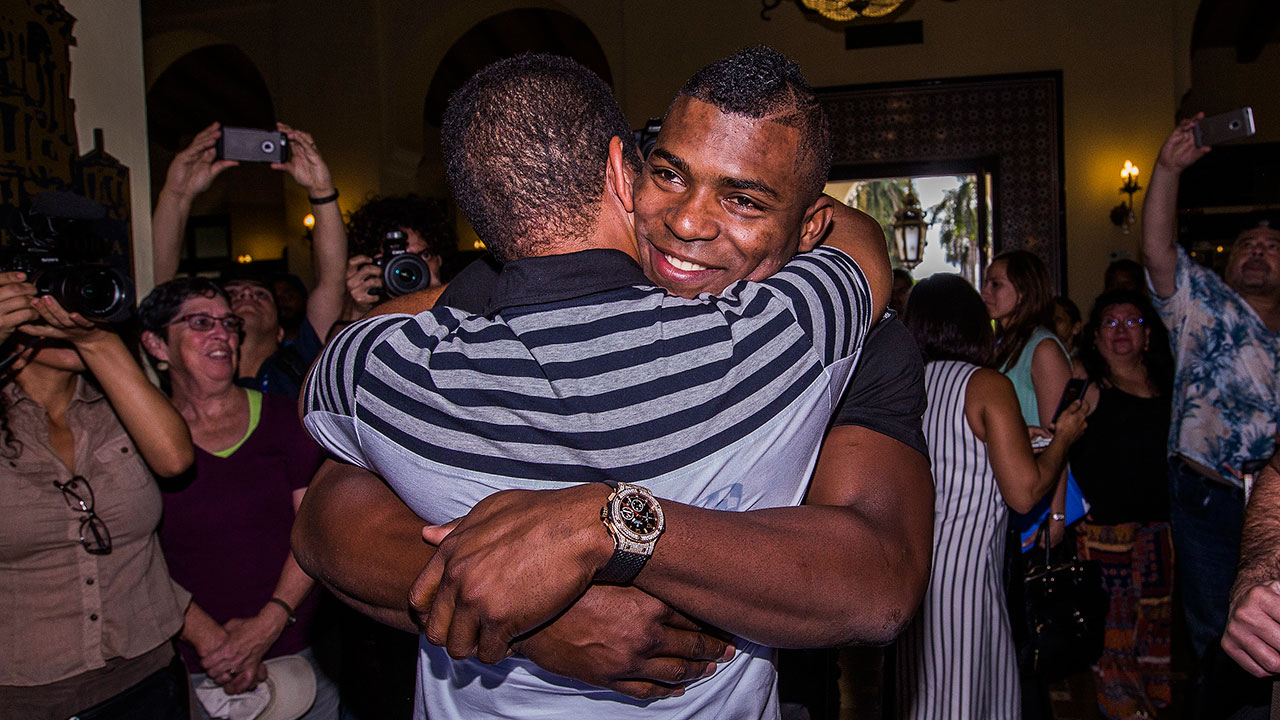 MLB stars in Cuba: 'To be here ... is amazing'