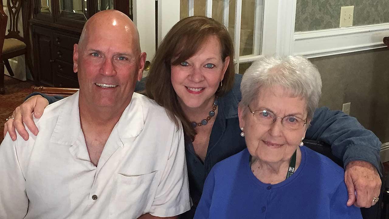 braves' brian snitker cherishes mother, wife | mlb