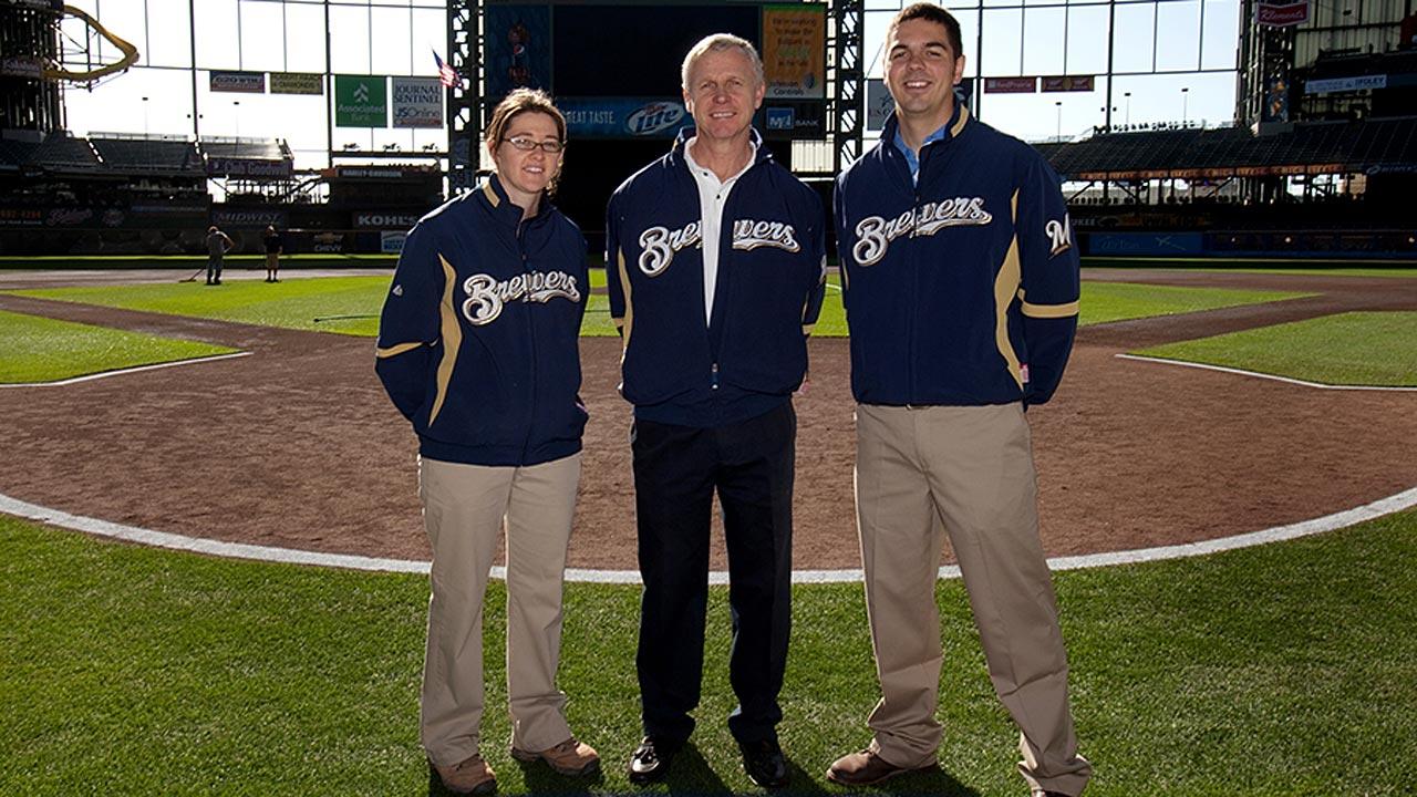 Vanden Berg honored by MLB groundskeepers