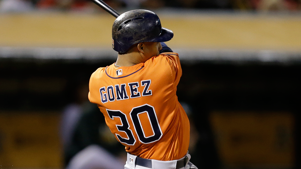 Gomez still out of lineup, hopes to avoid DL