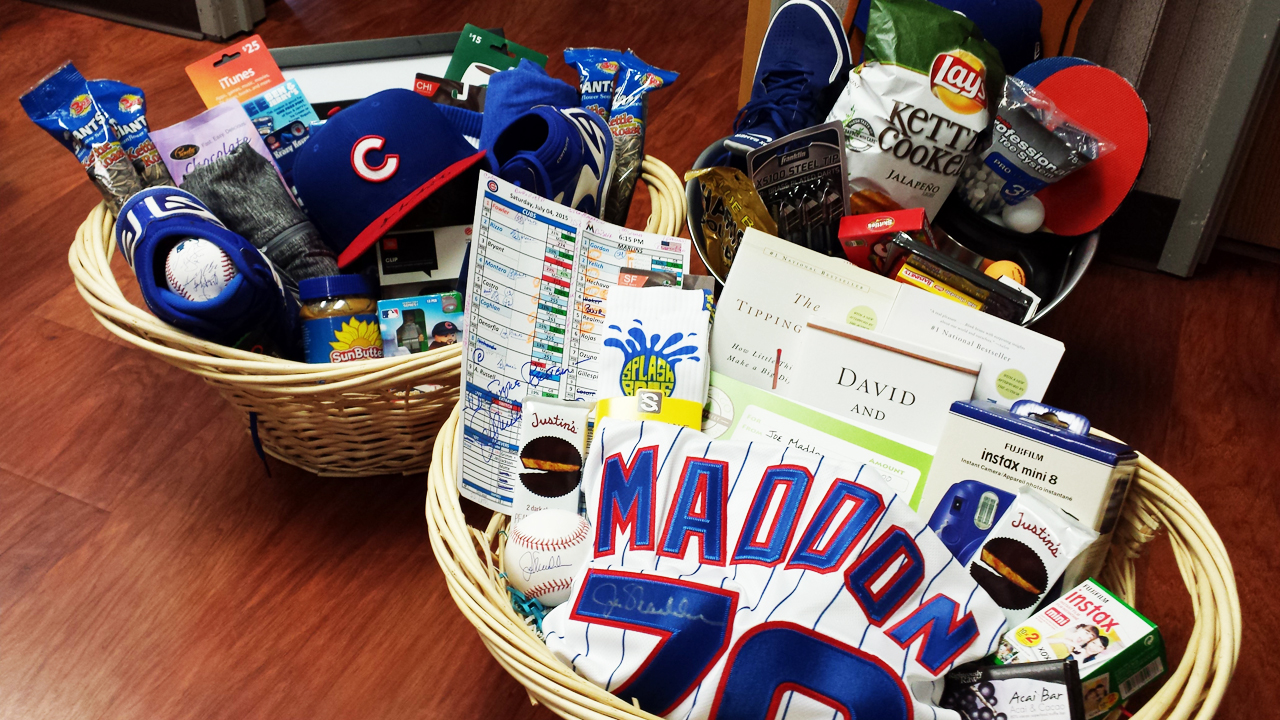 Basket auction helps fans know Cubs better
