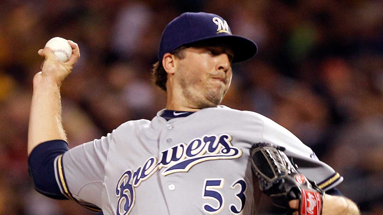 Brewers rescind Kintzler DFA, place righty on DL