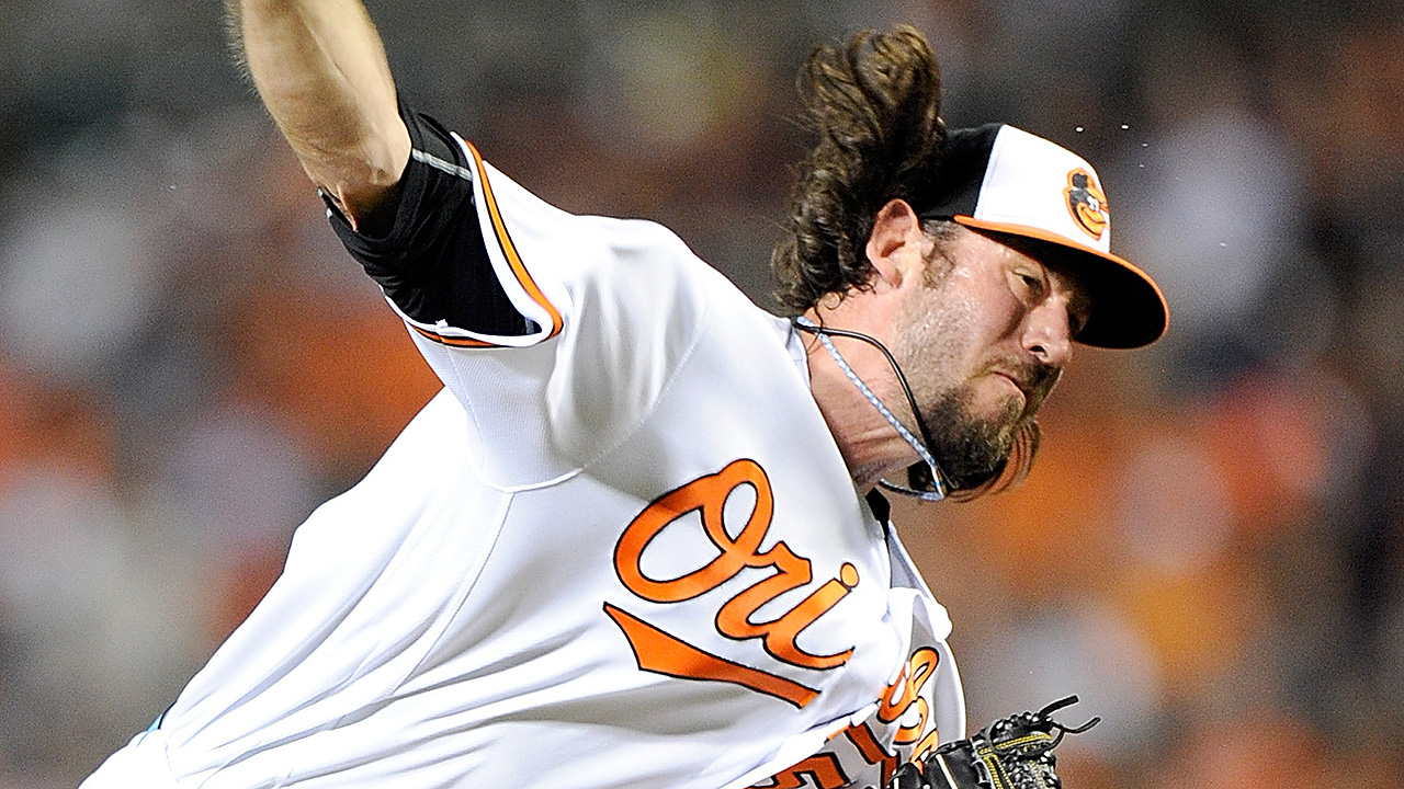 Righty reliever Ondrusek sticks with O's