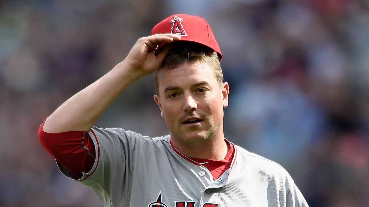 Angels pitcher Joe Smith injured