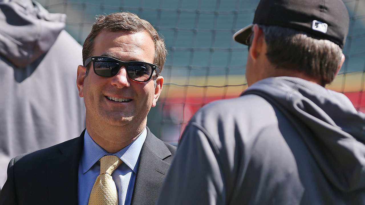 Hahn wants to see White Sox contend in '15, beyond
