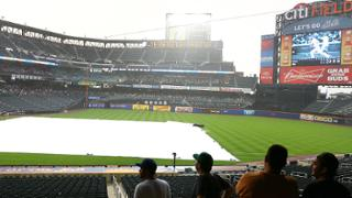 Mets-Cardinals rained out; twin bill Tuesday