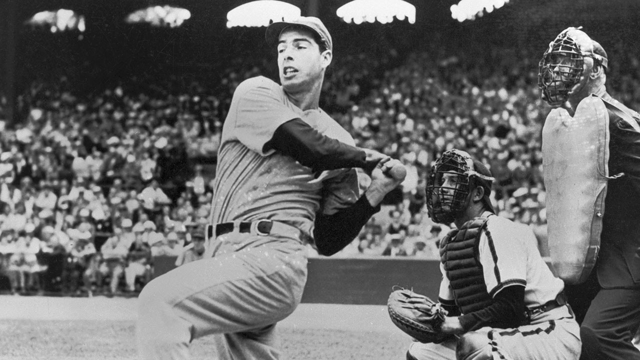 DiMaggio hustles to further streak to 54 straight