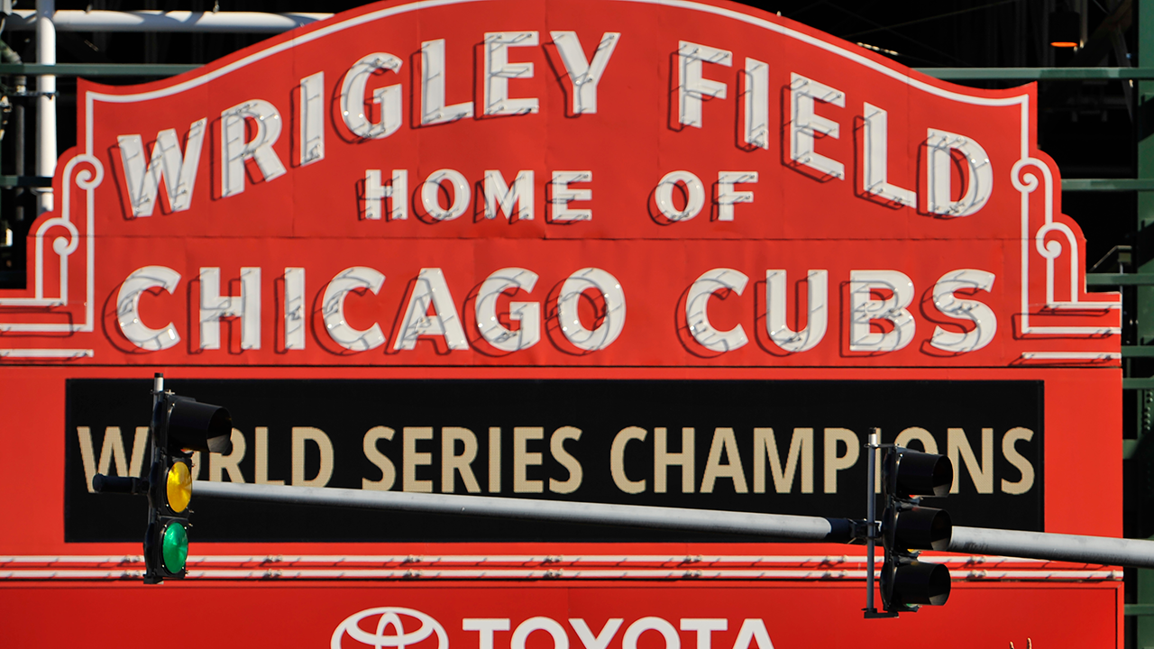 Cubs announce ticket price increase for 2017