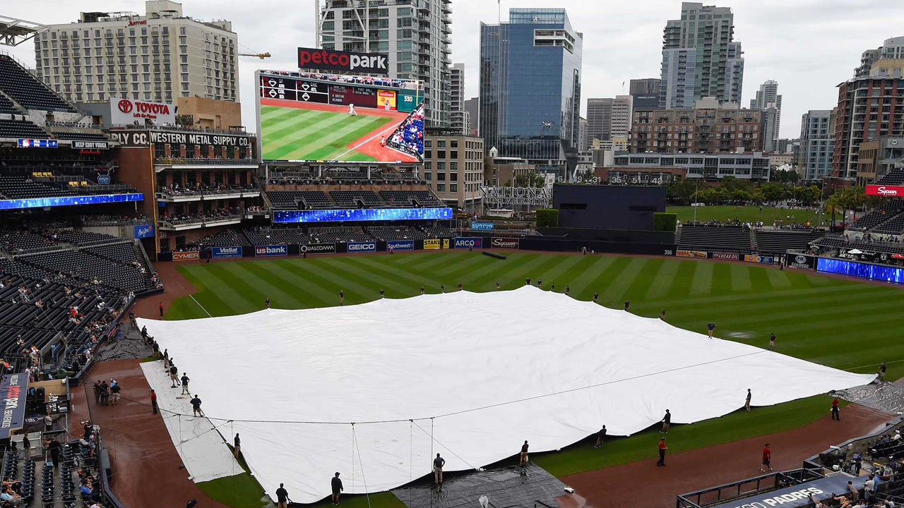 Padres' finale with Dodgers rained out