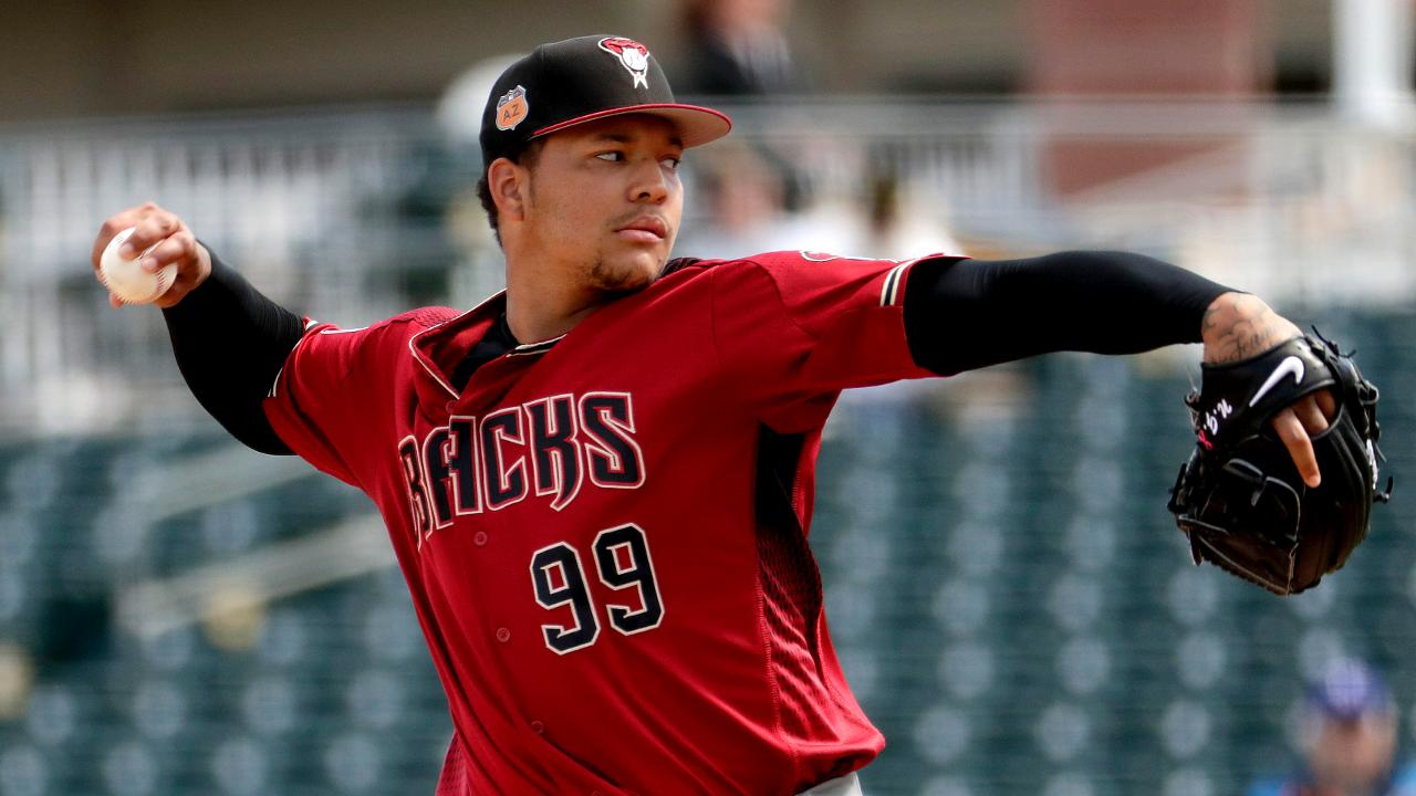 Descalso, Walker clave en triunfo de D-backs ante Rangers