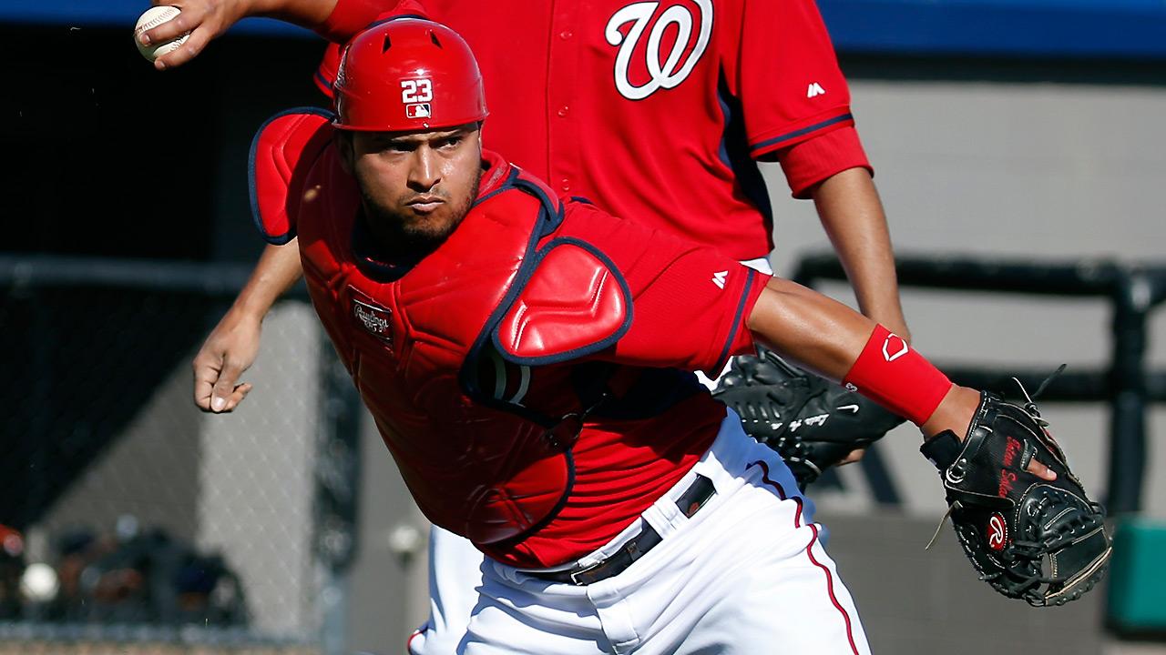 Nationals part ways with catcher Solano