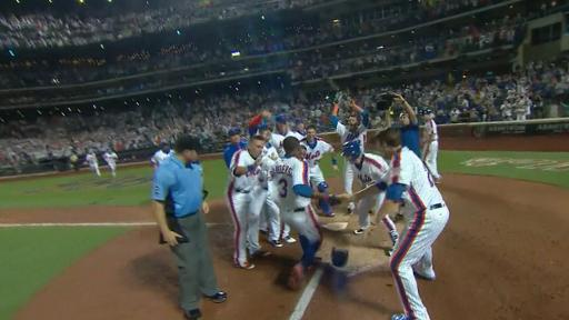 Mets celebrate walk-off homer