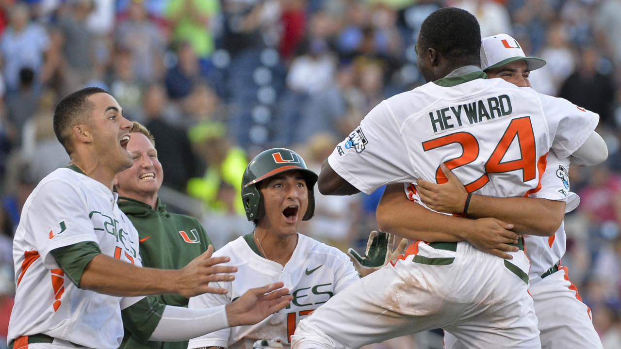 Heyward leads Miami to walk-off win at CWS