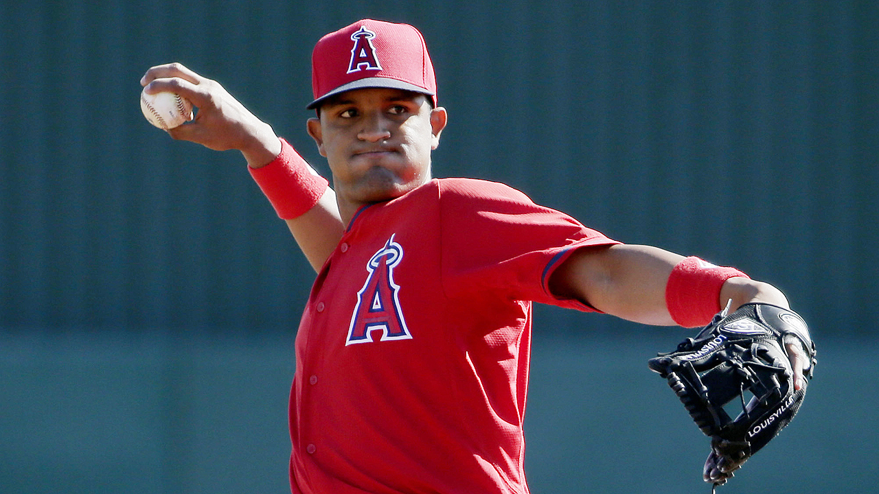 Prospect Baldoquin excited to be around Angels' stars