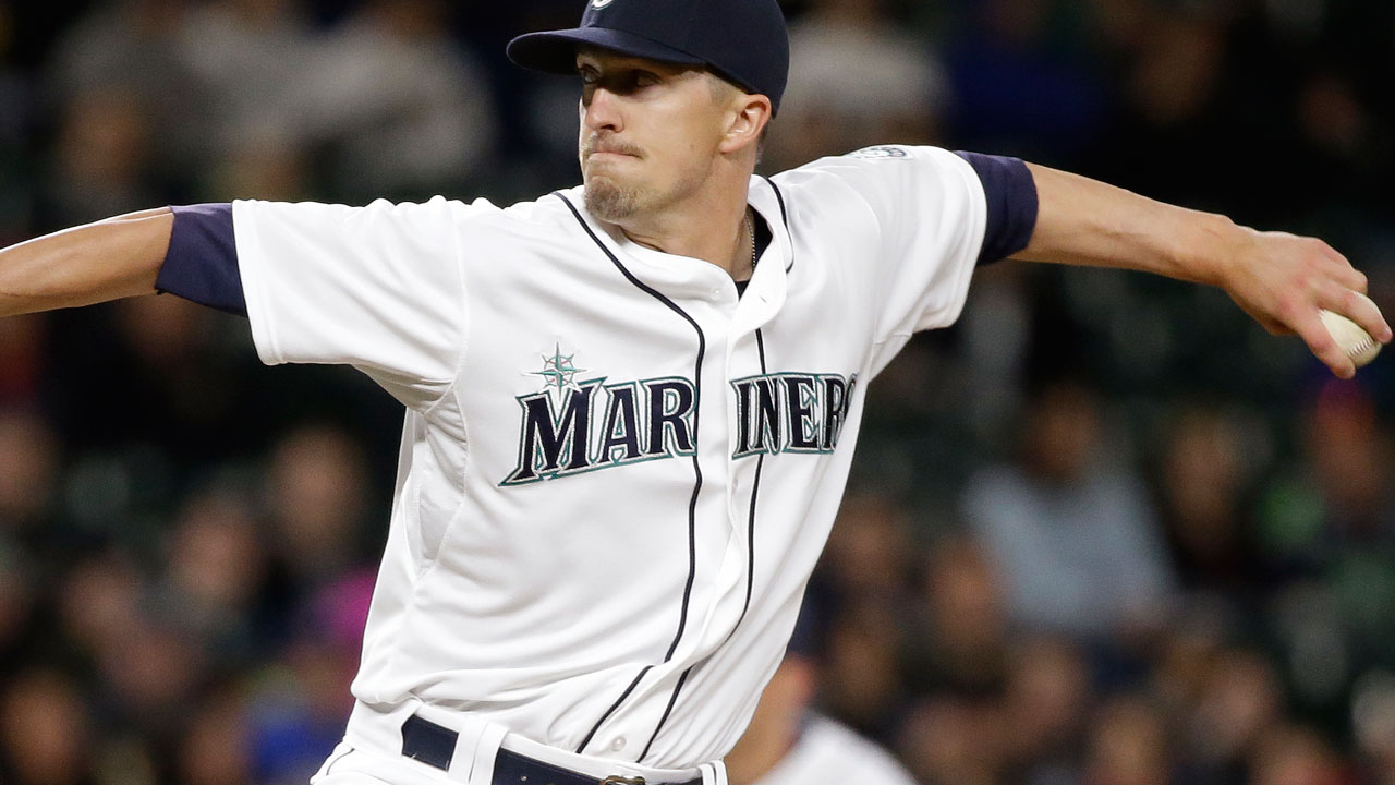 Dodgers acquire reliever Olson from Mariners