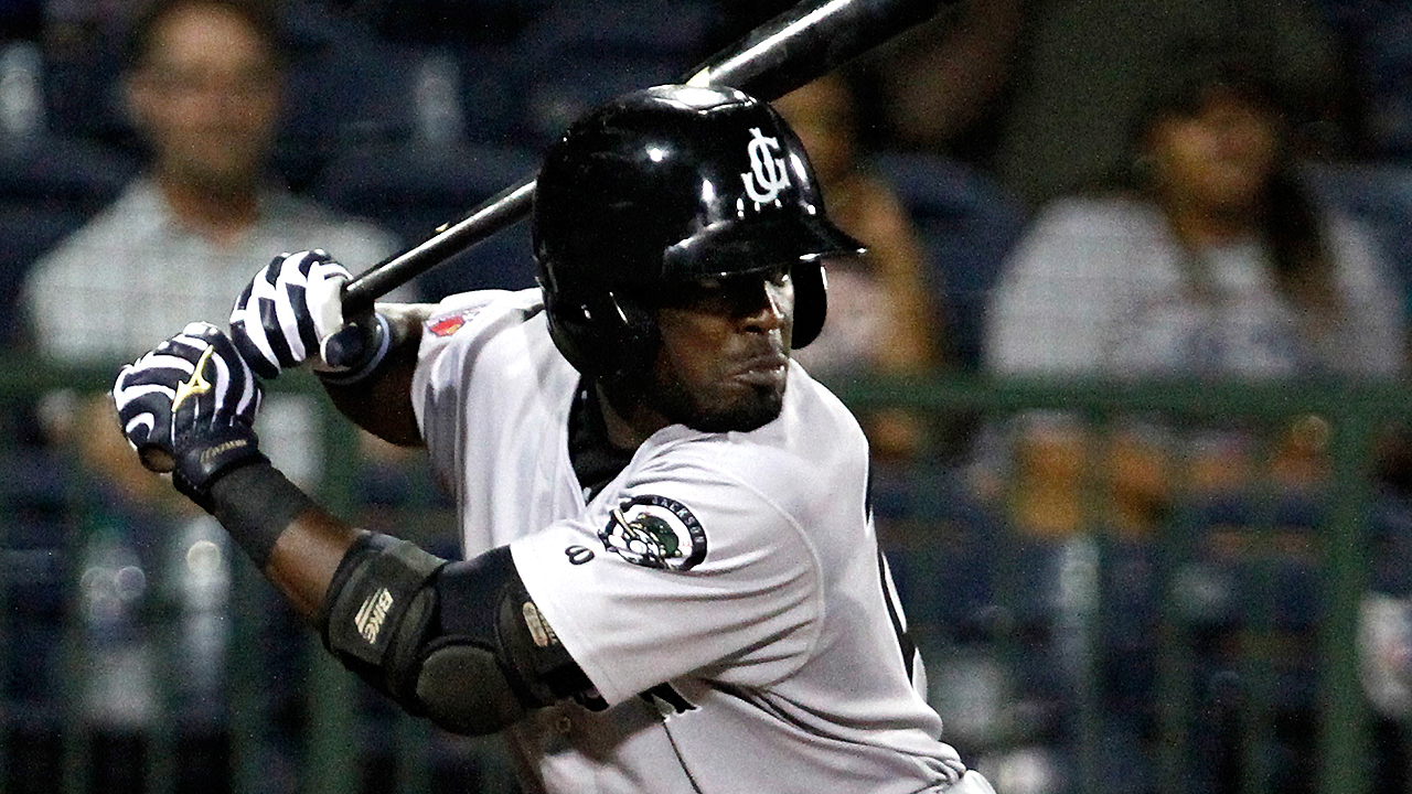Mariners add Heredia to roster for Cubs series