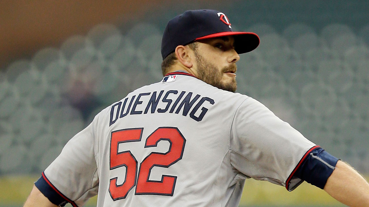 Duensing lands on DL, Twins recall Thielbar