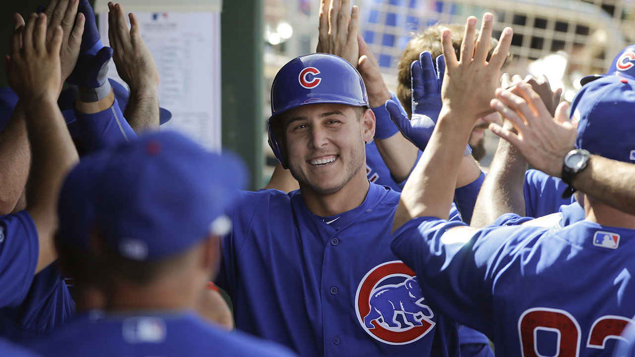 Rizzo, Negron help Cubs out-rally Reds