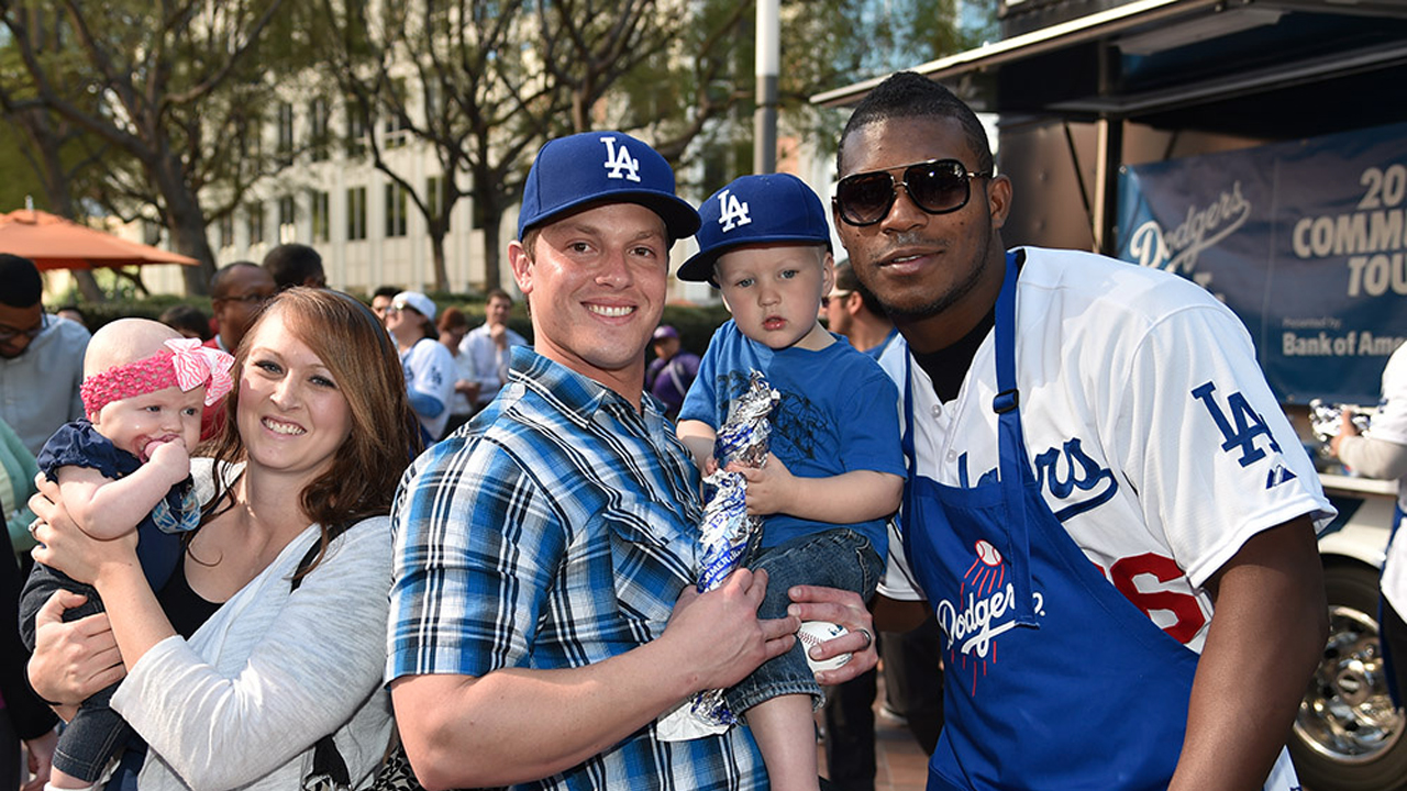 Dodgers stars greet fans at Select-A-Seat event