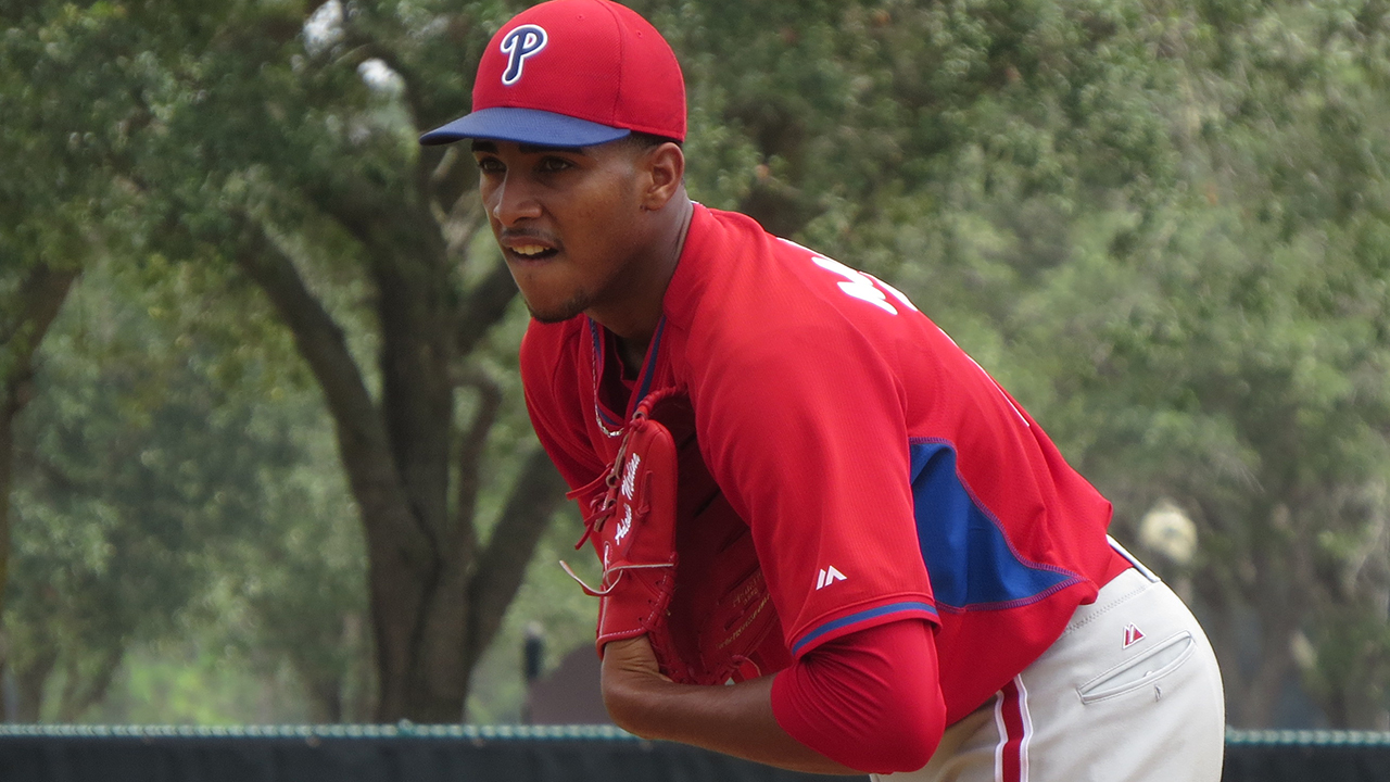 Medina drops no-hit bid in final frame for Crosscutters