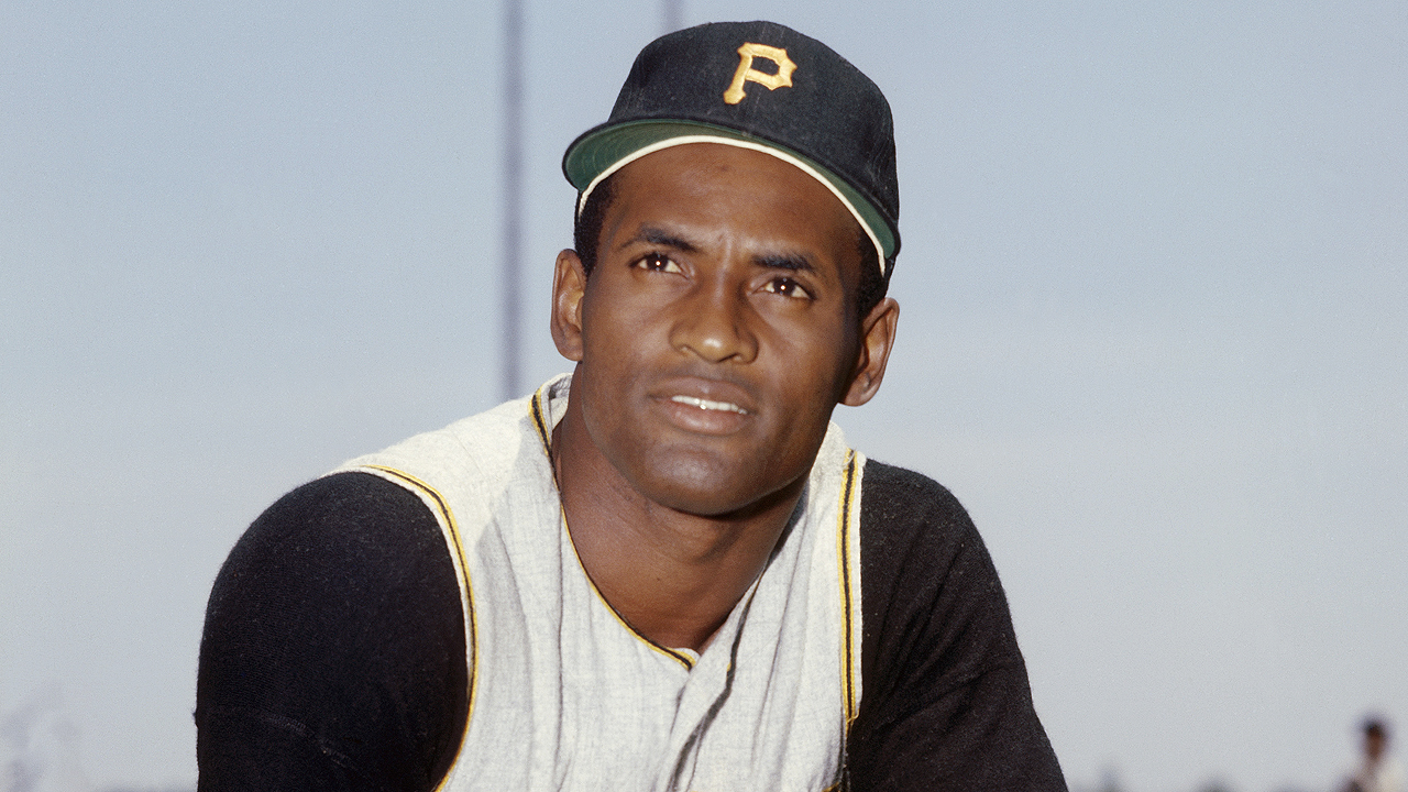 a biography and life work of roberto clemente walker a puerto rican baseball player Roberto clemente walker (august 18, 1934 – december 31, 1972)  winning the national league mlb most valuable player award in 1966  clemente and luisa walker de clemente in carolina, puerto rico,  at 14, he joined a softball team organized by roberto marín (an influential figure in his life),.