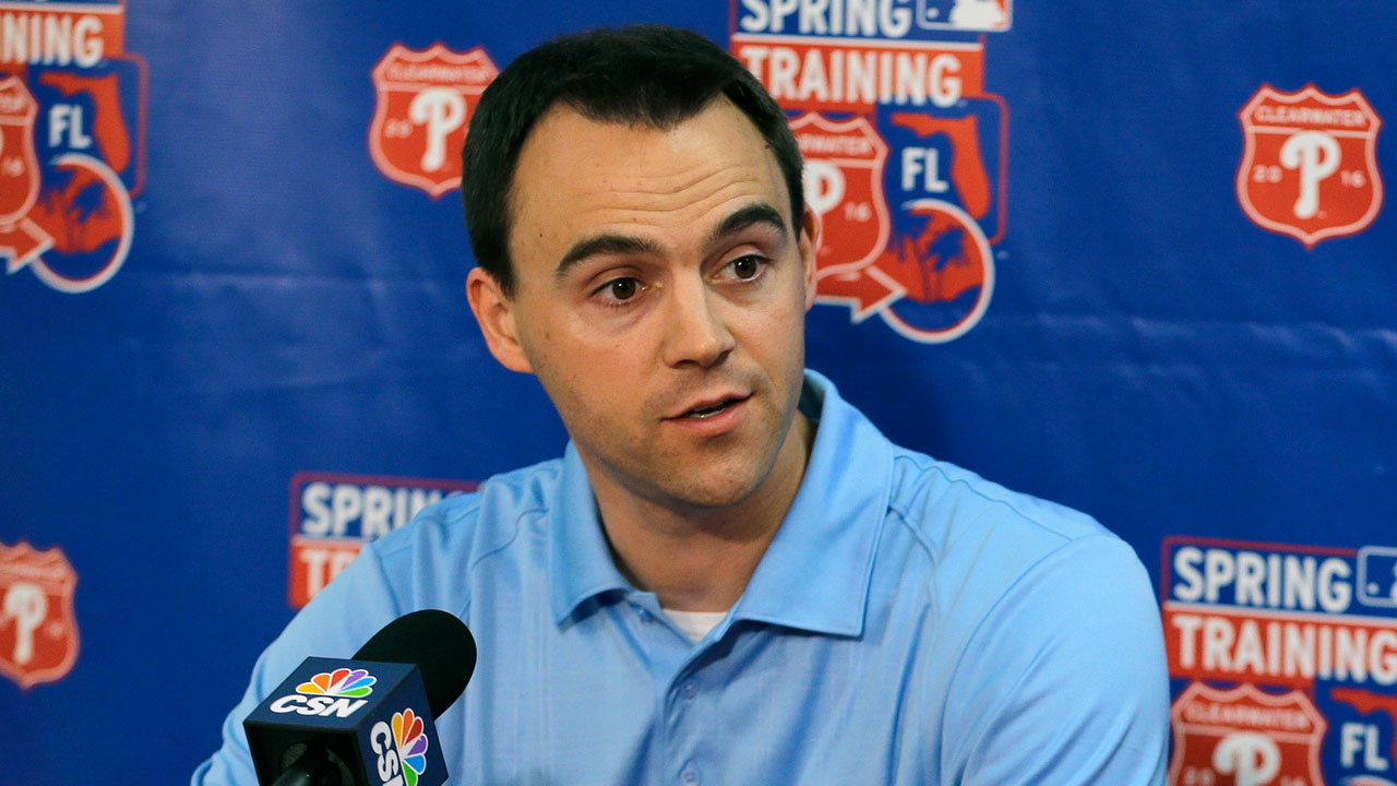 Klentak pleased with Phillies' outfield defense