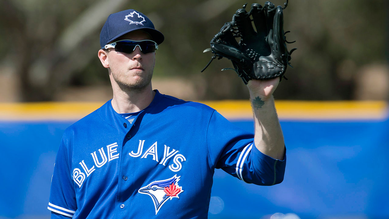 Saunders sparks rally in Jays' win over Bucs