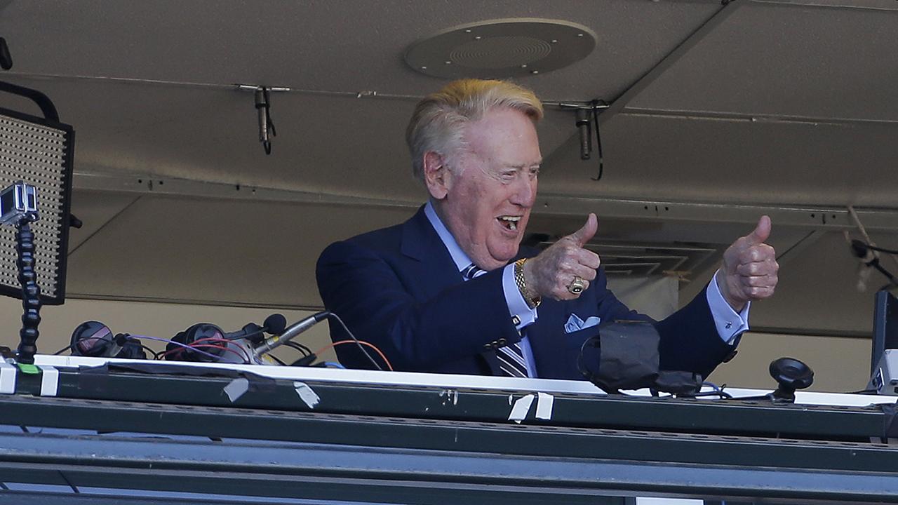Vin Scully's final season comes in 2016 | MLB.com