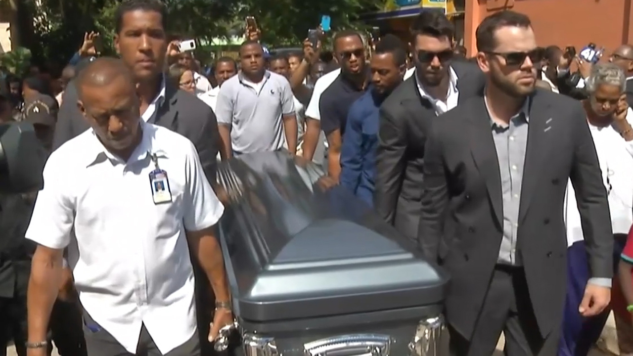 Mourners pay respects to Yordano Ventura