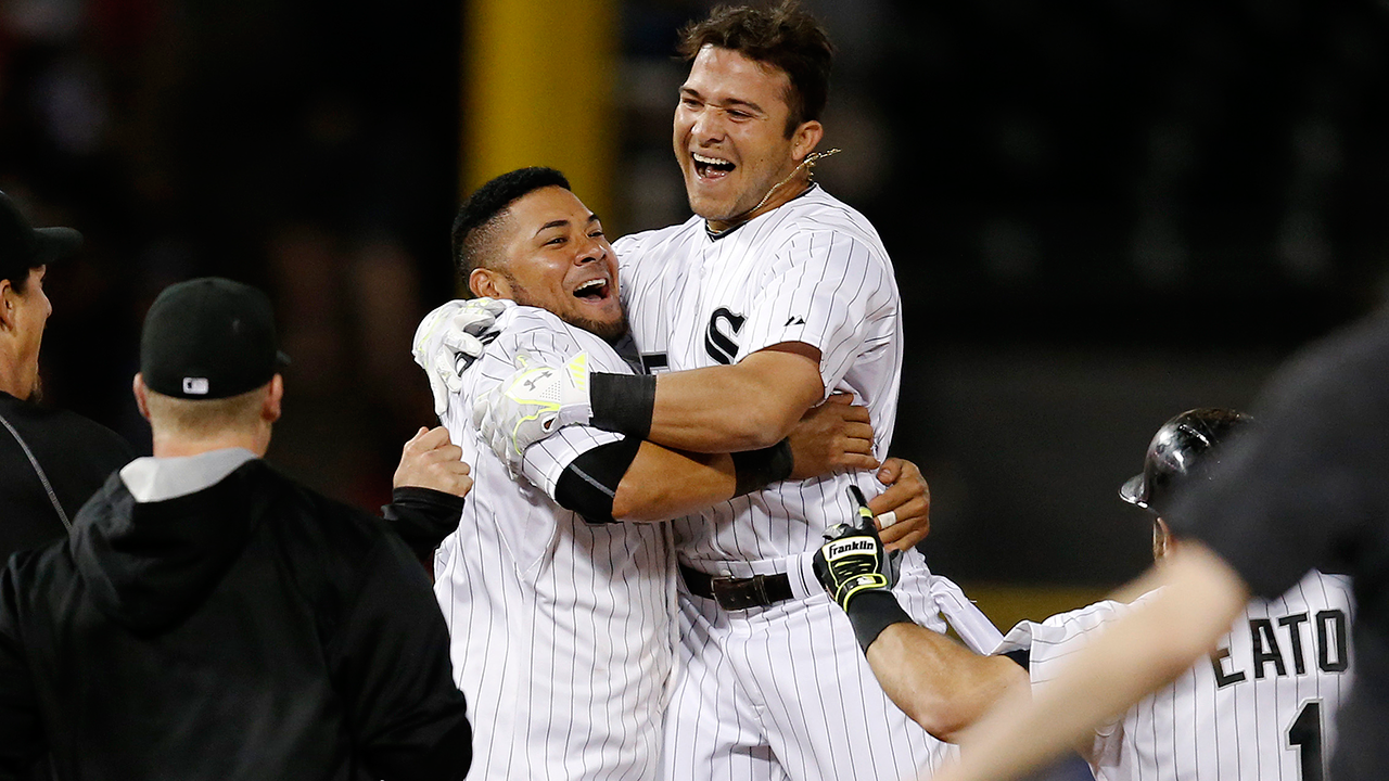 White Sox forming 'special' bond in clubhouse