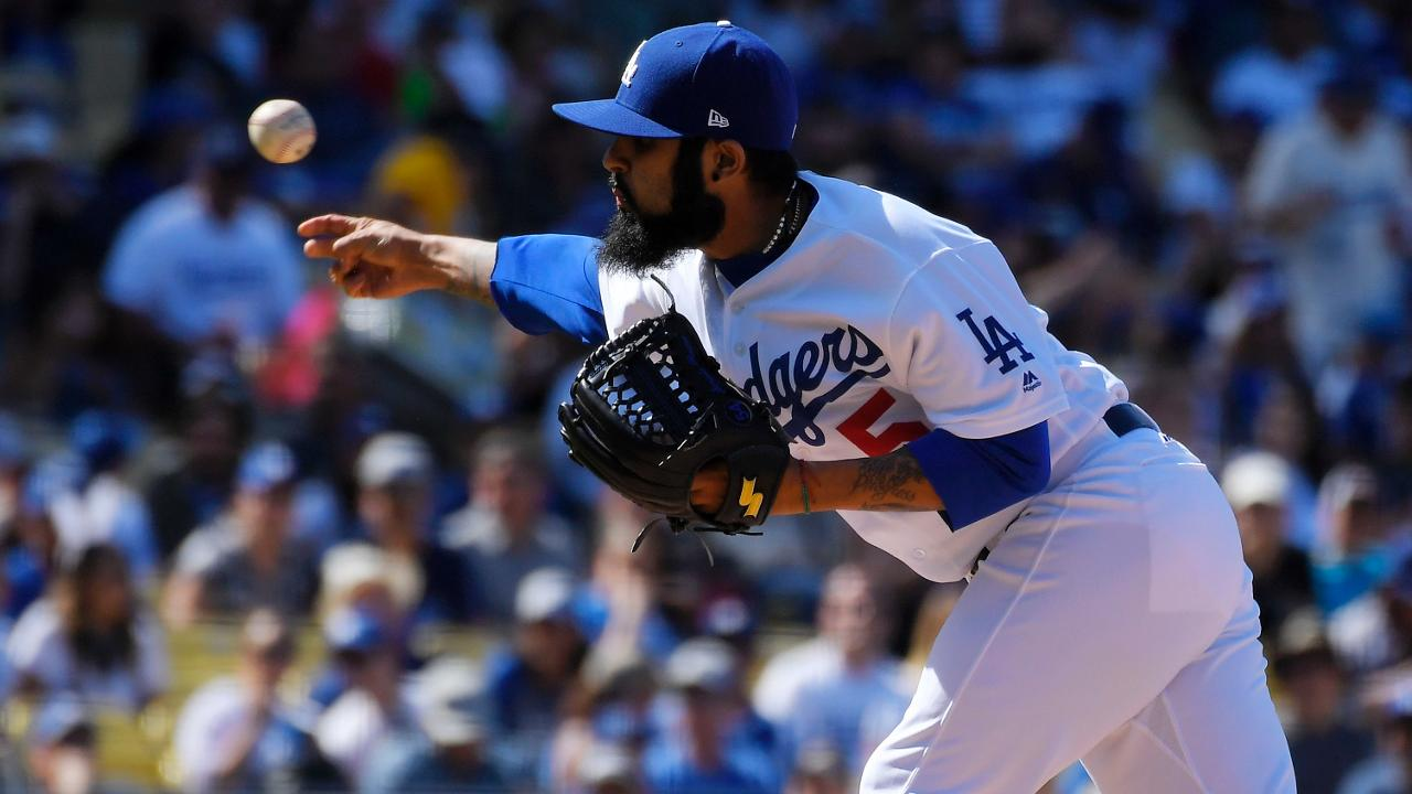 Bates de Dodgers fueron silenciados por Walker, D-backs