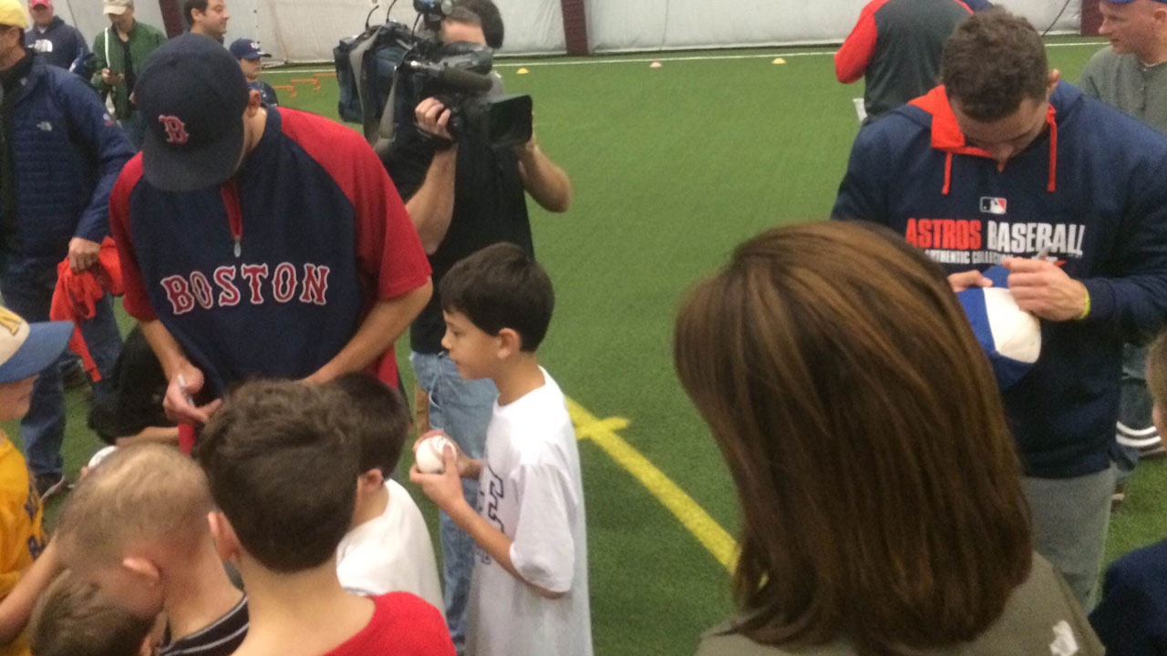 Barnes' baseball clinic benefits Newtown youth