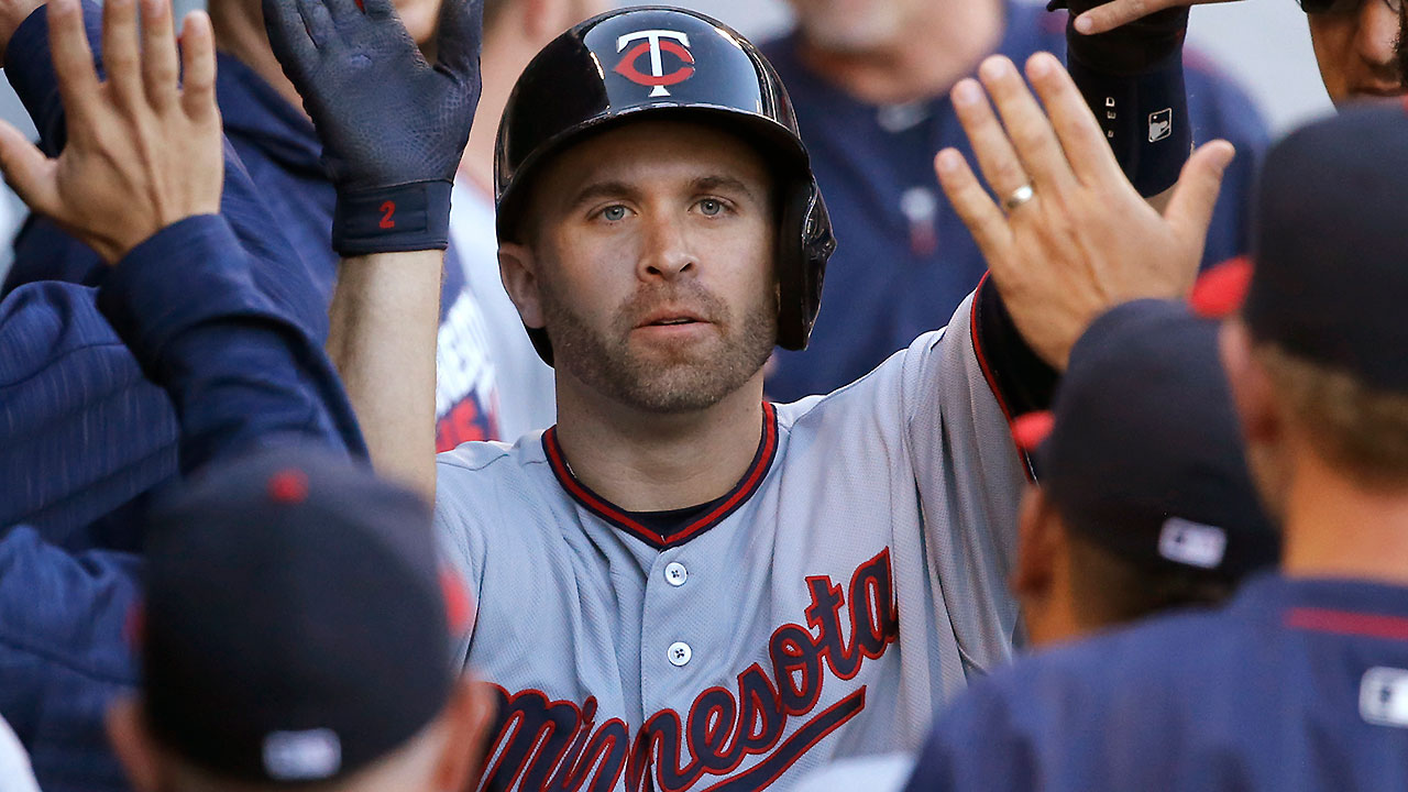 Brian Dozier Hits Two Homers Against White Sox