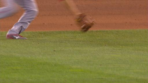 Andrelton Simmons jump and throw